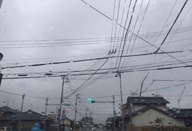 外は今日も雨